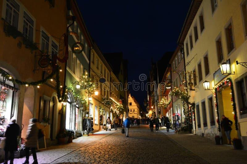 Den medeltida Rothenburg obderen Tauber, Tyskland, på jul royaltyfri bild