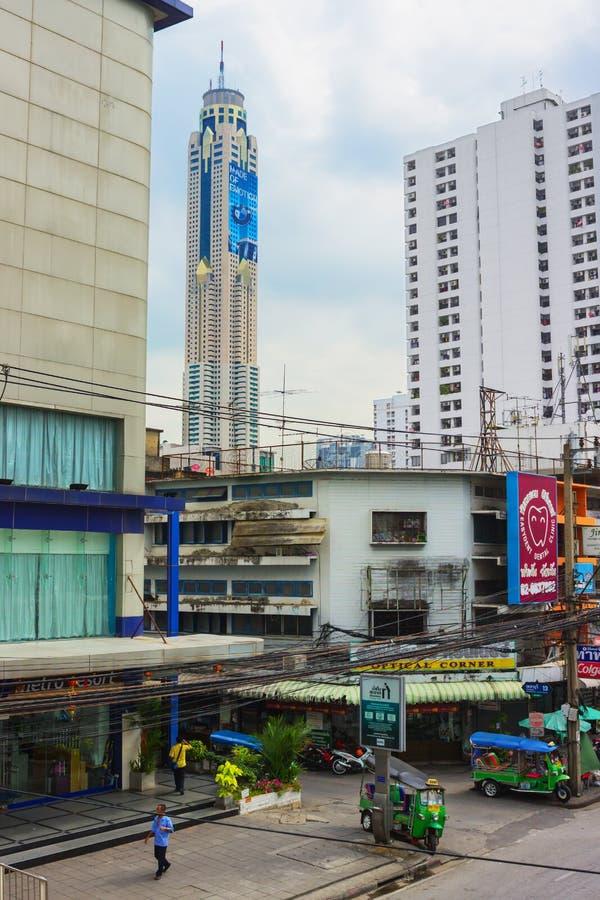 Den mest högväxta byggnaden i Bangkok, Baiyoke himmel royaltyfri fotografi