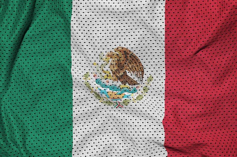 Den Mexico flaggan skrivev ut på ett tyg för ingrepp för polyesternylonsportswear royaltyfria foton