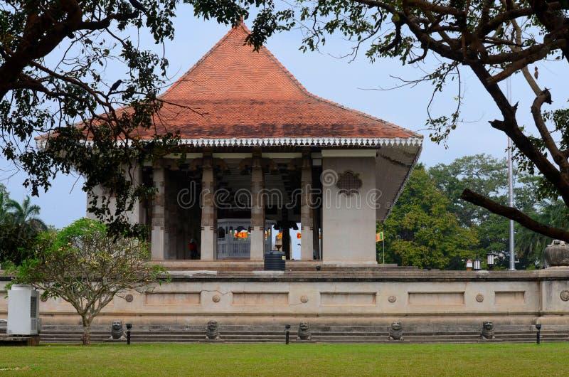 Den minnes- monumentet för självständighet i kanelbruna trädgårdar Colombo Sri Lanka royaltyfri fotografi