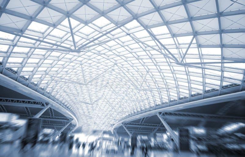 Den moderna organisationen för konstruktion för stationstakstål arkivfoton