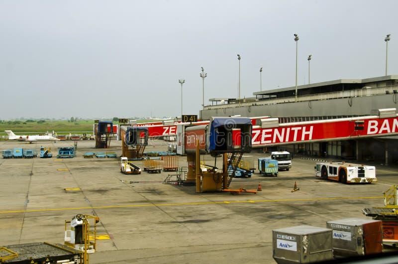 Den Mohammed Murtala flygplatsen utfärda utegångsförbud för royaltyfri bild