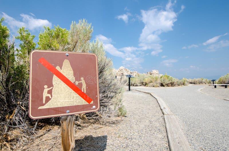 Den mono sjön Kalifornien klättrar inte Tufatecknet arkivfoto