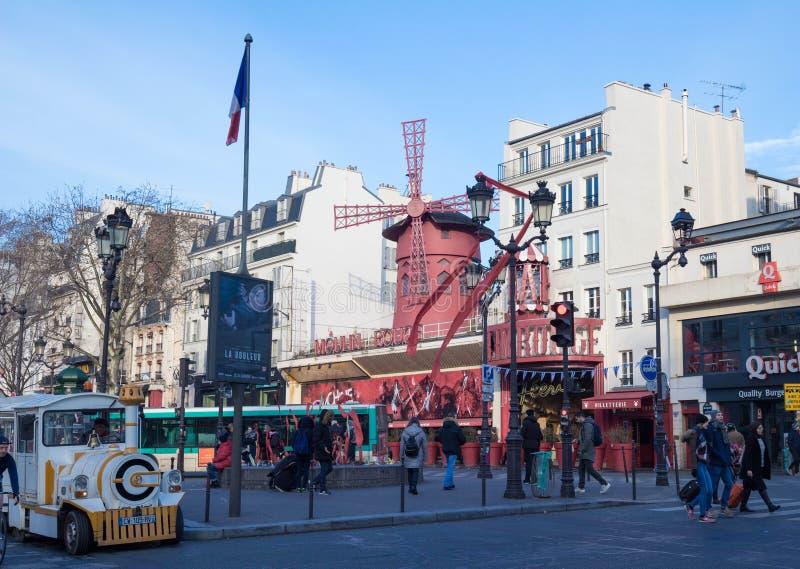 Den Moulin rougen, Paris, Frankrike Det är en berömd kabaret som byggs i 1889 och att lokalisera i den Paris bordellkvarteret av royaltyfri foto