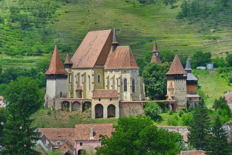 Den nära sikten av saxonen stärkte kyrkan från Biertan, Rumänien royaltyfri fotografi