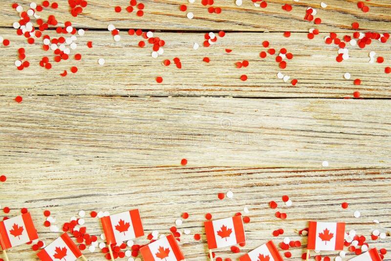 Den nationella ferien av Juli 1 - lycklig Kanada dag, herrav?ldedag, begreppet av patriotism, sj?lvst?ndighet och minne, ett st?l arkivbilder