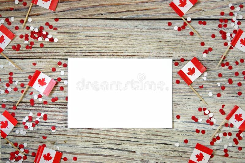Den nationella ferien av Juli 1 - lycklig Kanada dag, herrav?ldedag, begreppet av patriotism, sj?lvst?ndighet och minne, ett st?l fotografering för bildbyråer