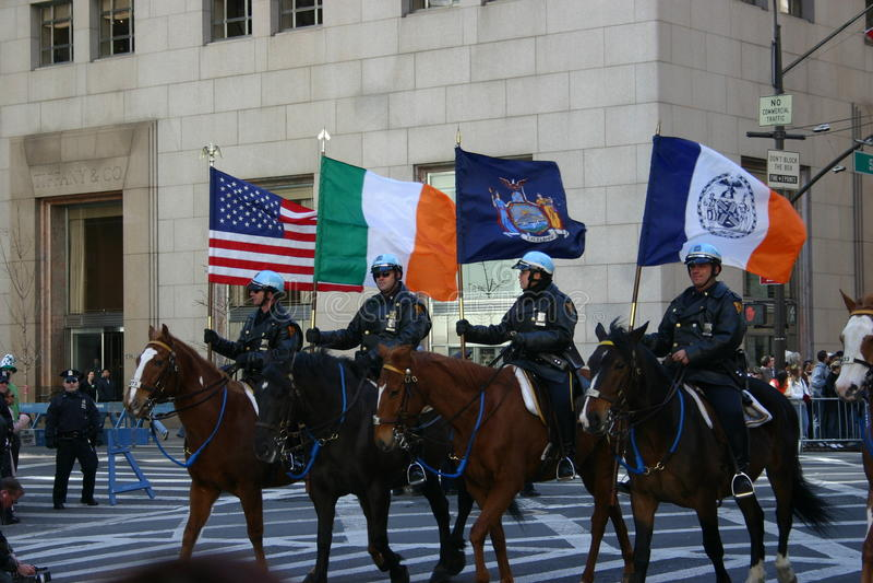 Den New York St Patrick dagen ståtar arkivfoton