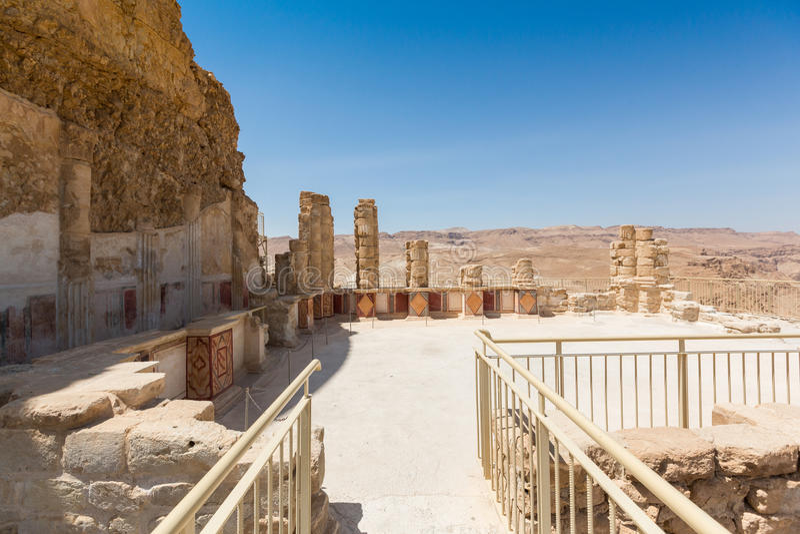 Den nordliga slotten i Masada fotografering för bildbyråer