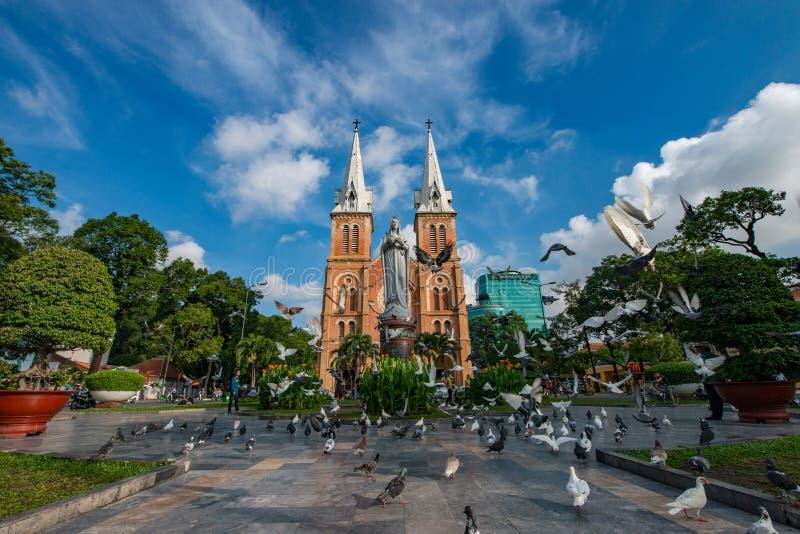 Den Notre-Dame domkyrkabasilikan av Saigon, domkyrkabasilika av vår dam av den obefläckade befruktningen är officiellt ett domkyr royaltyfri fotografi