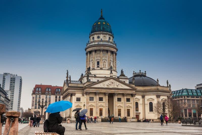 Den nya kyrkan kallade också Tysk Kyrktaga på Gendarmenmarkt arkivbilder