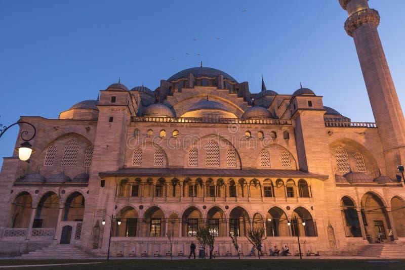 Den nya moskén är Istanbul arkivbilder