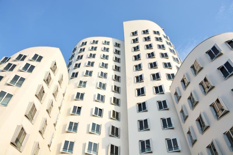 Den nya Zollhofen Dusseldorf Tyskland - 13 Augusti 2015 fotografering för bildbyråer