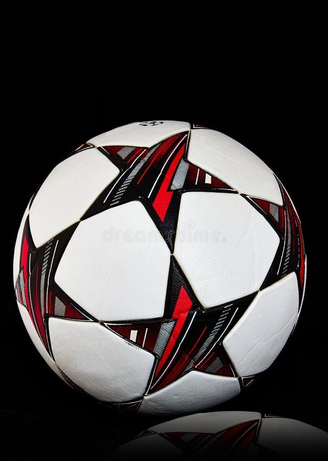 Den officiella fotbollfotbollbollen royaltyfria bilder