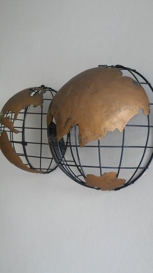 den olika jordklotillustrationvektorn visar världen arkivbild