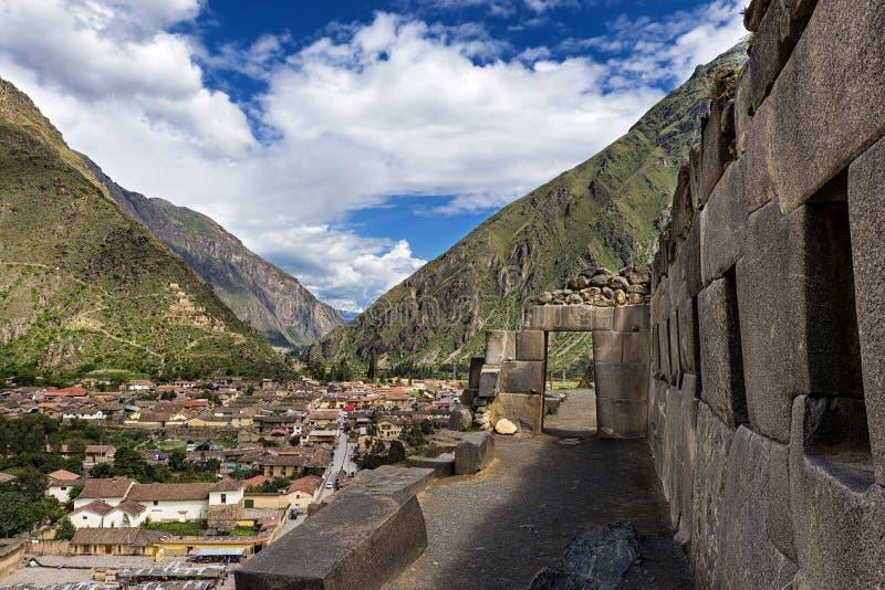 Den Ollantaytambo incaen fördärvar, i den sakrala dalen, Peru fotografering för bildbyråer