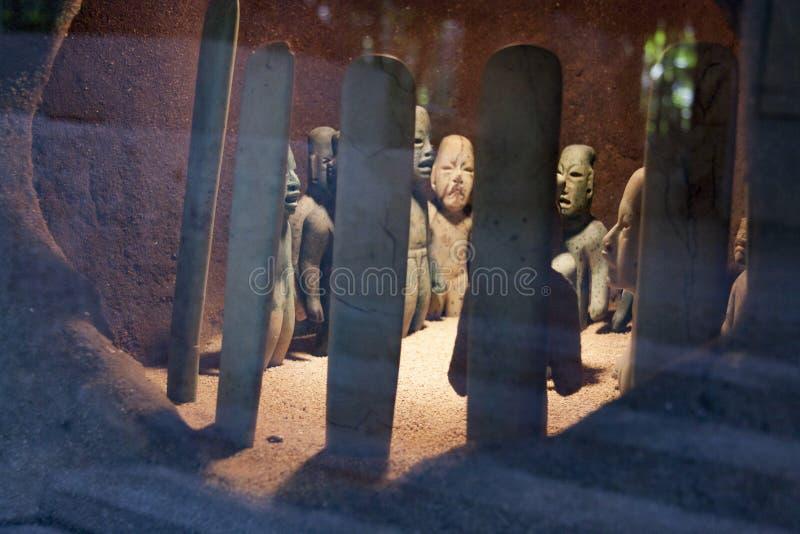 Den Olmec jordfästningen, Olmec det arkeologiska museet, La Venta parkerar museet Villahermosa tabasco, Mexico fotografering för bildbyråer