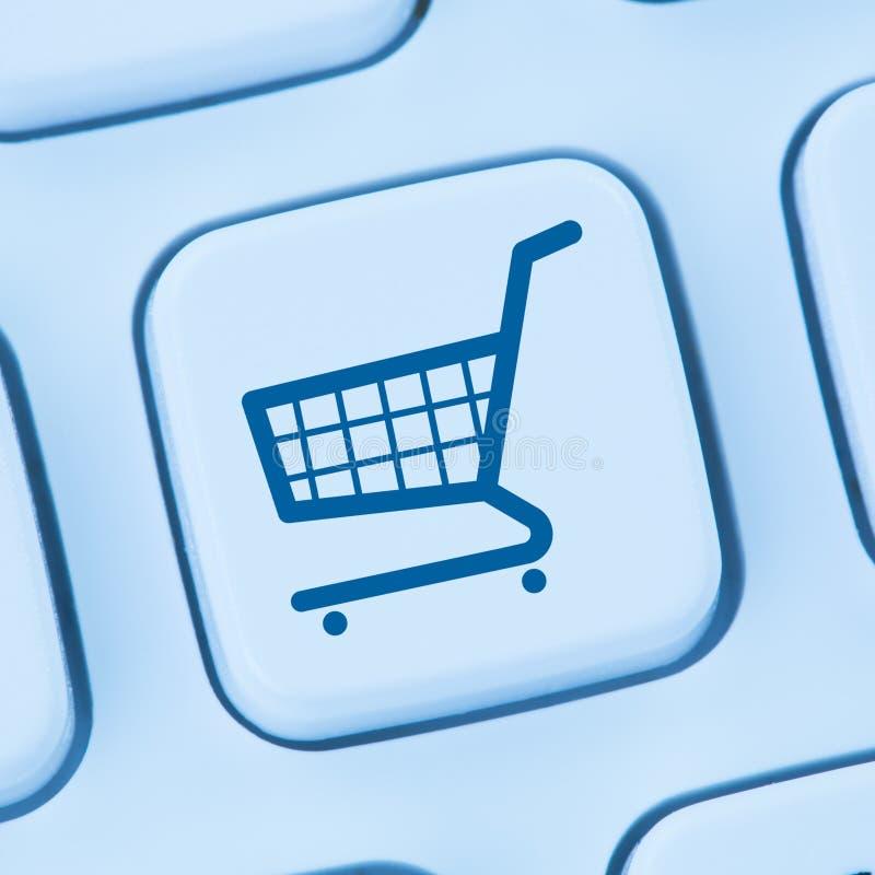 Den online-internet för den shoppinge-komrets ecommercen shoppar begreppsblått royaltyfri foto
