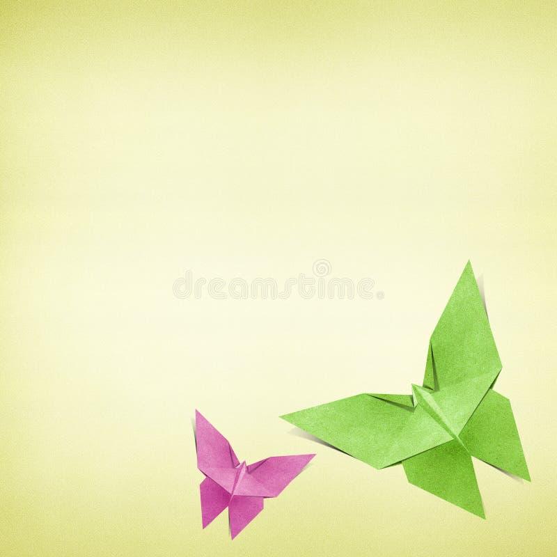 Den Origami fjärilen som göras från, återanvänder pappers- vektor illustrationer
