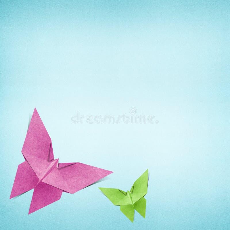 Den Origami fjärilen som göras från, återanvänder pappers- royaltyfri illustrationer