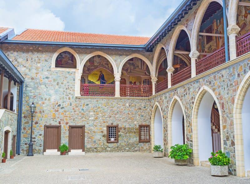 Den ortodoxa kloster royaltyfria bilder
