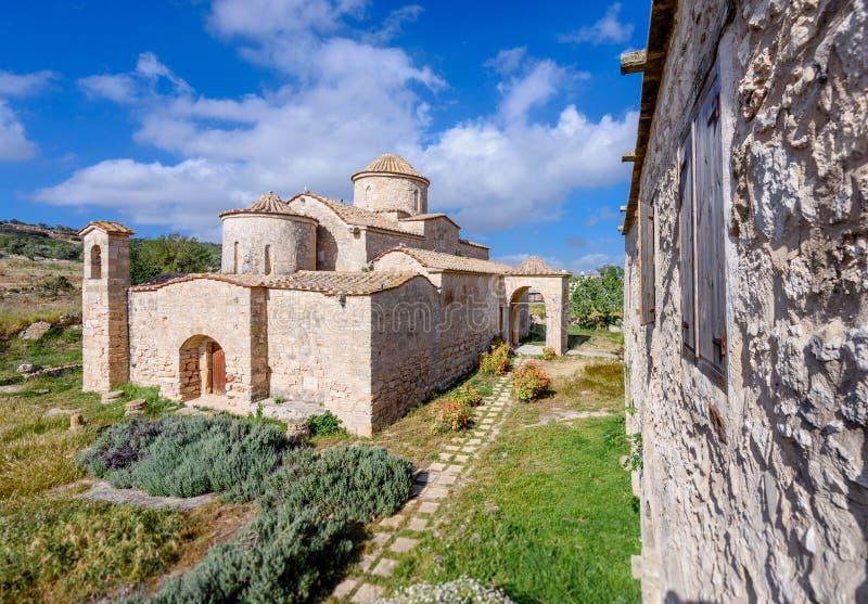 Den Panagia Kanakaria kyrkan och kloster i turken upptog sidan av Cypern 2 royaltyfria foton
