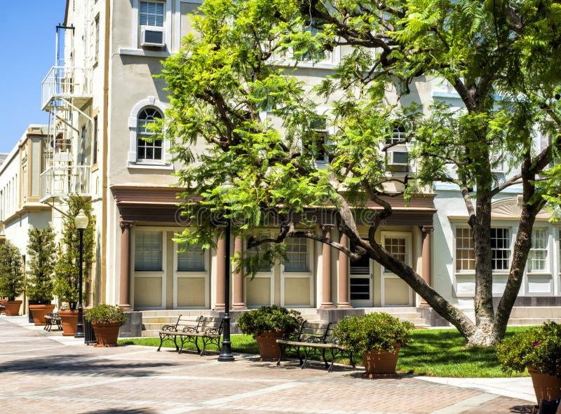 Den Paramount studiobilder, loge och framdelen arbeta i trädgården, Hollywood turnerar på 14th Augusti, 2017 - Los Angeles, LA, K royaltyfria bilder