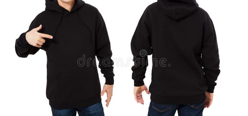 Den pekade mannen i svart tröjamall isolerade Manliga tr?jor st?llde in med modell- och kopieringsutrymme Designframdel för svett arkivbilder
