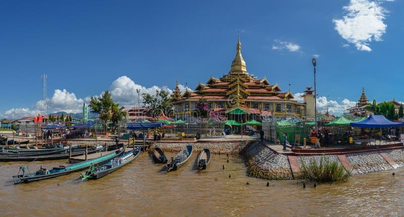 Den Phaung Daw Oo pagoden är kloster på den Intha byn, Inle sjön, Shantillståndet, Myanmar royaltyfri fotografi
