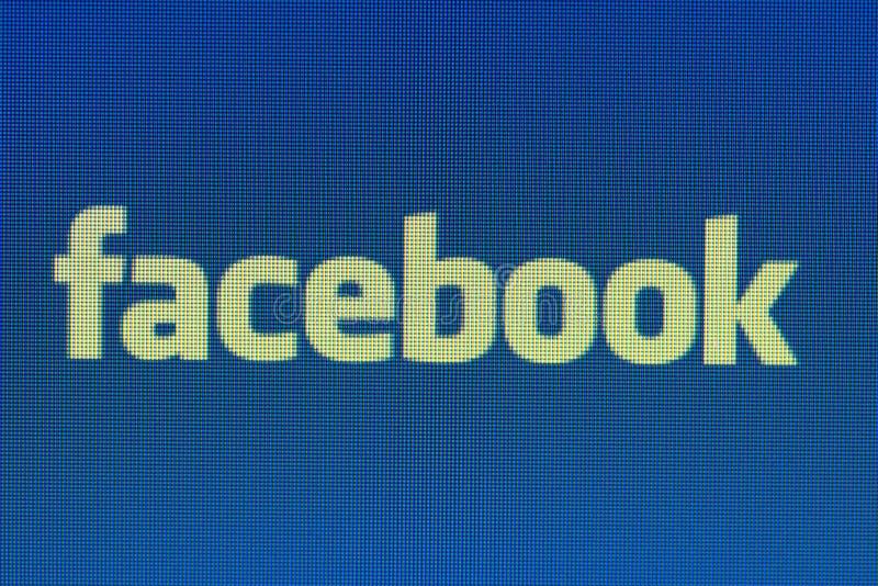 Den Pixelated Facebook genvägen på datorbildskärmslut sköt upp royaltyfria bilder