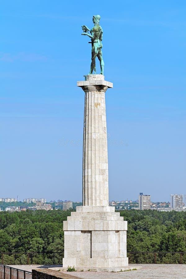 Den Pobednik (segraren) monumentet i Belgrade, Serbien arkivfoto