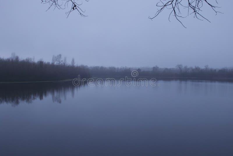 Den regionala riverfronten parkerar - precis är minuter som är västra av Windsor och omger av klassiskt landskap för vinland Vint royaltyfria bilder