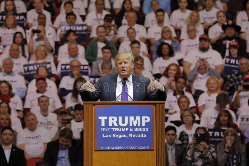 Den republikanska presidentkandidatDonald Trump aktionen samlar på den södra punktarenan & kasinot i Las Vegas royaltyfria bilder
