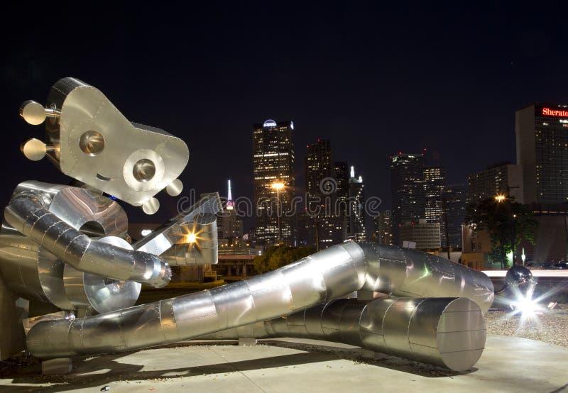 Den resande mannen och den i stadens centrum Dallasen arkivfoto