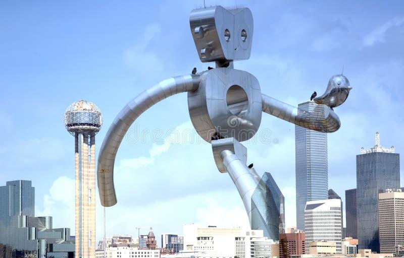 Den resande mannen som går på i stadens centrum Dallas royaltyfri fotografi