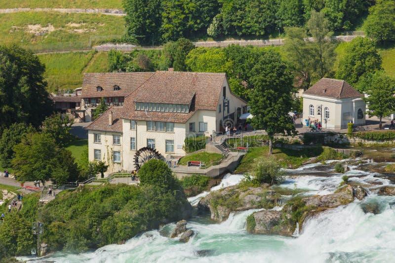 Den Rhine Falls vattenfallet i Schweiz royaltyfri bild
