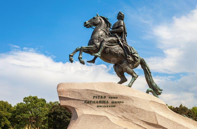 Den rid- statyn av Peter det stort & x28en; Brons Horseman& x29; royaltyfria foton