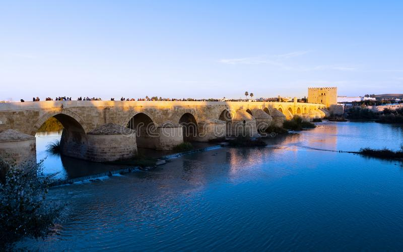 Den romerska bron av Cordoba royaltyfri foto