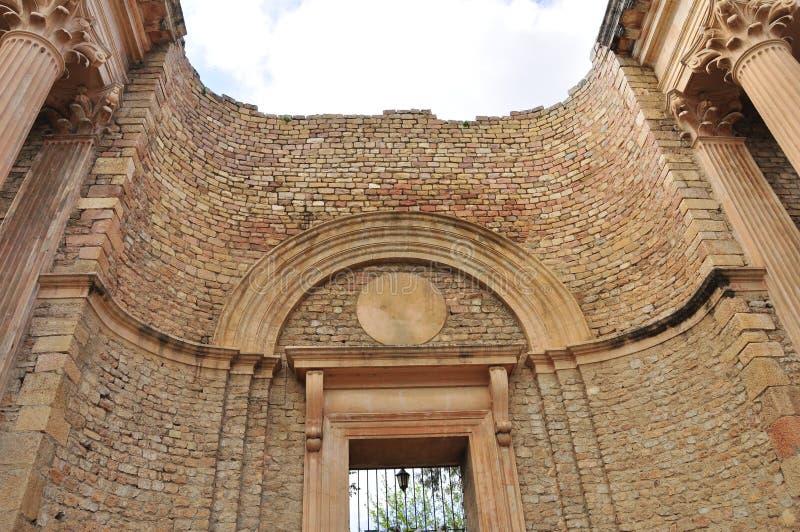 Den romerska teatern av Guelma royaltyfria bilder