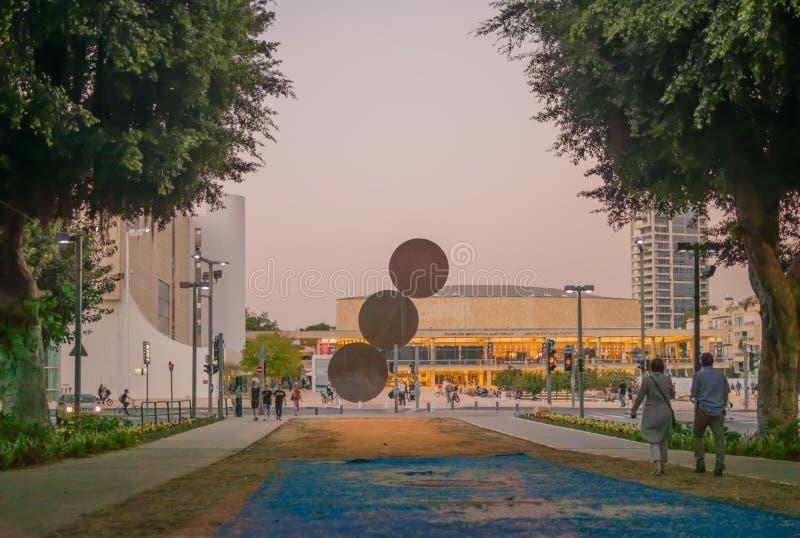 Den Rothschild boulevarden och mummel-Bima kvadrerar, i Tel Aviv arkivbilder