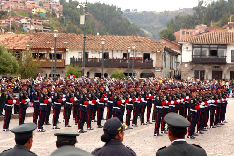 Den söndag marschen ståtar Arequipa arkivfoton