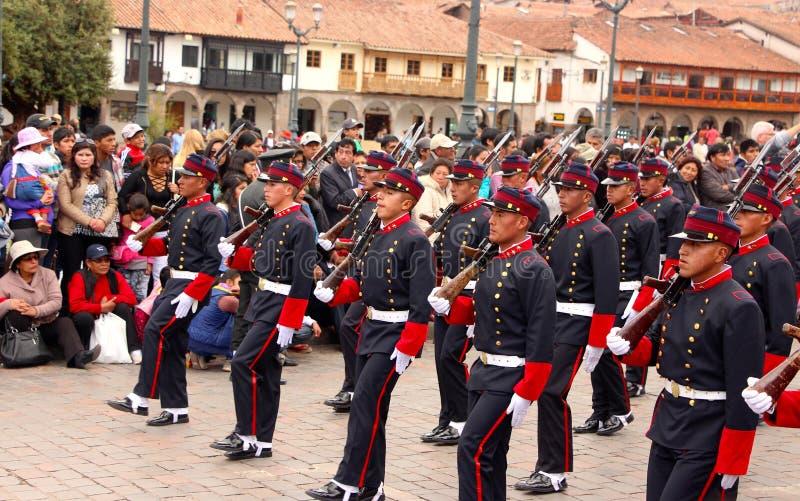 Den söndag marschen ståtar Arequipa arkivfoto