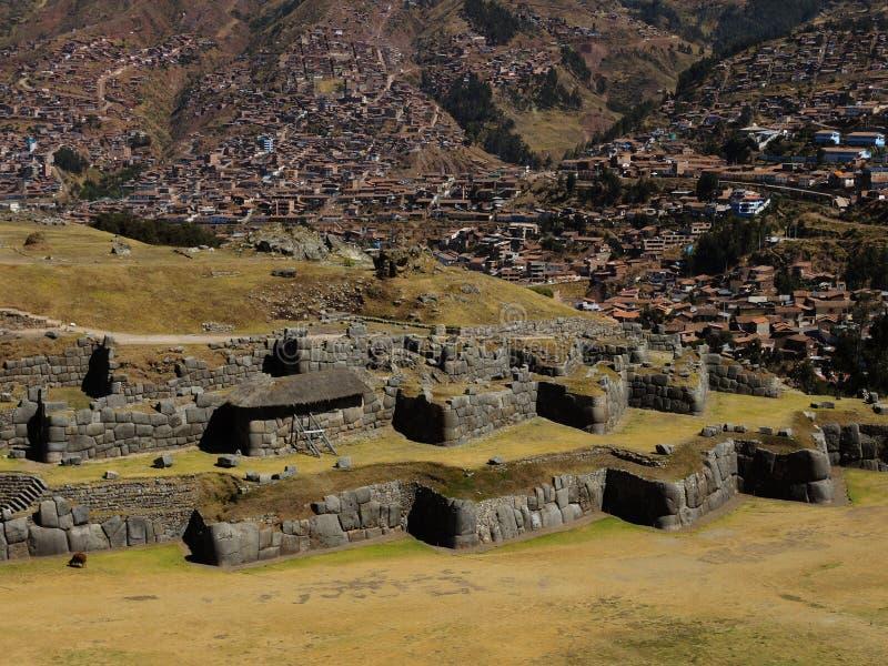 Den Sacsayhuaman citadellen fördärvar i Cusco, Peru arkivfoton
