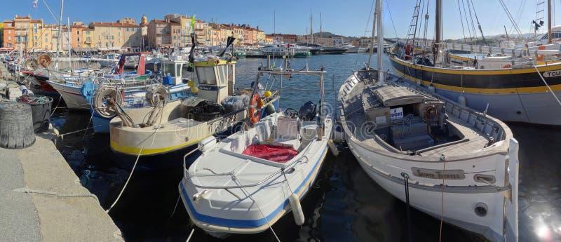 Den Saint Tropez marina p? en solig eftermiddag royaltyfri bild