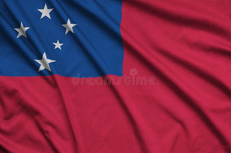 Den Samoa flaggan visas på ett sporttorkduketyg med många veck Baner för sportlag fotografering för bildbyråer