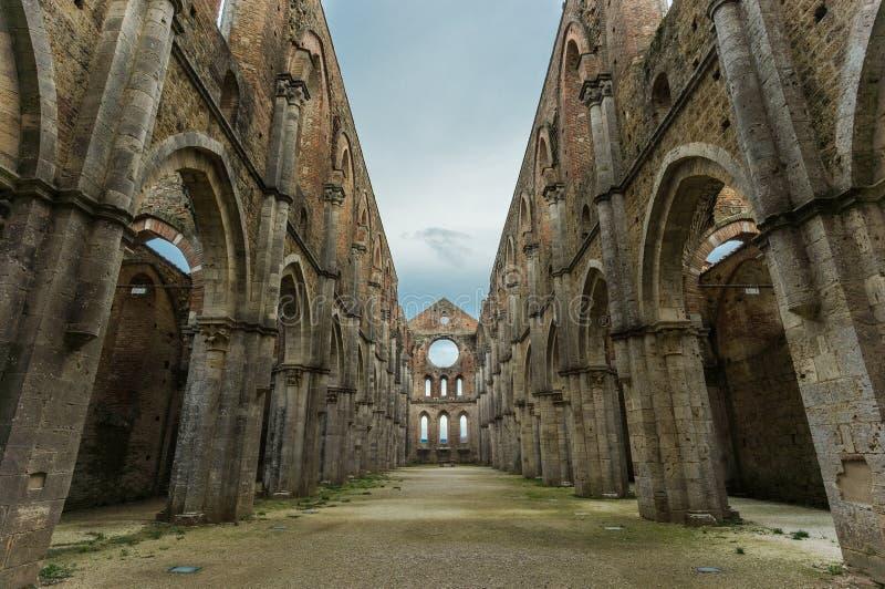 Den San Galgano abbeyen fördärvar royaltyfria foton
