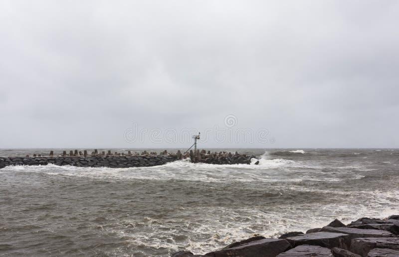 Den sandiga orkanen att närma sig nytt - jerseykusten royaltyfri bild