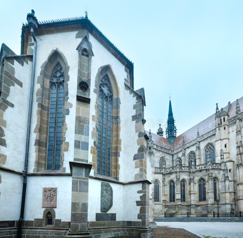 Den Sanka Michael Chapel och St.en Elisabeth Cathedral (Kosice, Sl arkivbild