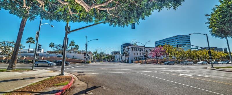 Den Santa Monica blvden och rodeon kör tvärgatan i Beverly Hills royaltyfria foton