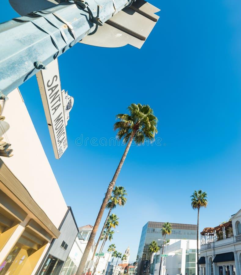 Den Santa Monica boulevarden undertecknar in Beverly Hills arkivbilder